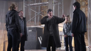 Fringe 02x22 : Over There, Part 1- Seriesaddict